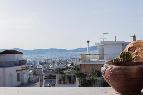 6th floor loft in Exarcheia, Pension in Athen
