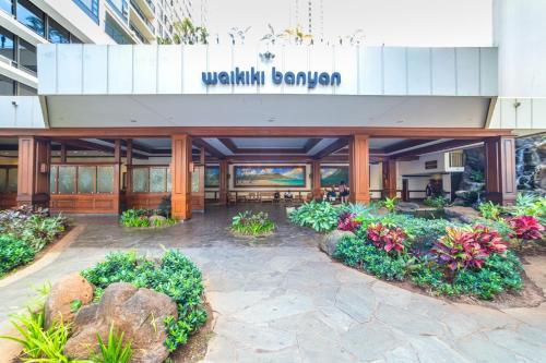 21st Floor Waikiki Banyan | Ocean Views | Parking - Honolulu, HI 96815