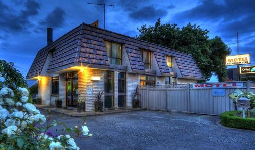 Accommodation in Bewong