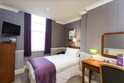 The Clarendon Hotel - image 10