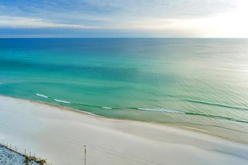 Emerald Beach 1130 - 210139 Condo