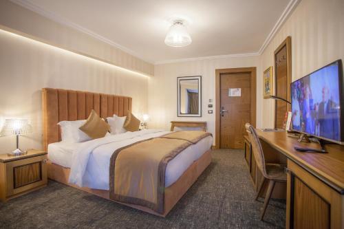 Фото отеля Hotel Colosseo Tirana