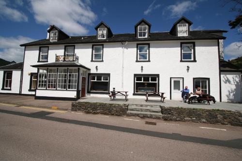 . The Goil Inn