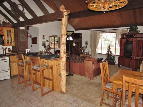 063 Jb's Pinecone Lodge Home - Big Bear City, CA 92315
