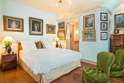 Apartment Penthievre photo 13