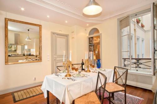 Apartment Penthievre photo 14
