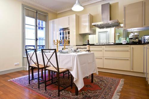 Apartment Penthievre photo 20
