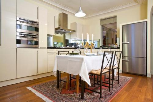 Apartment Penthievre photo 21
