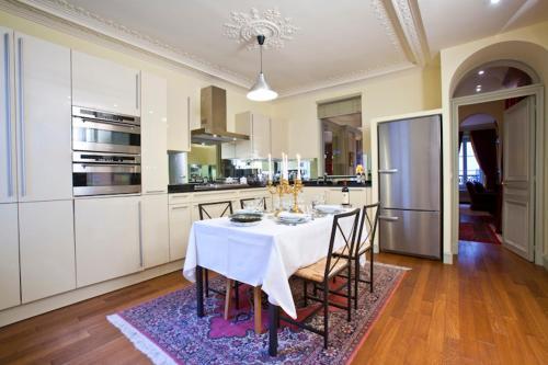 Apartment Penthievre photo 23