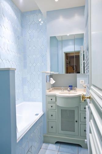 Apartment Penthievre photo 27