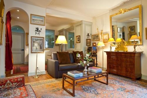 Apartment Penthievre photo 31
