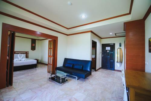 AmornSukhothai Hotel room photos