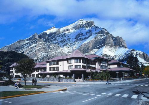 Elk + Avenue Hotel - Banff, AB T1L 1B1