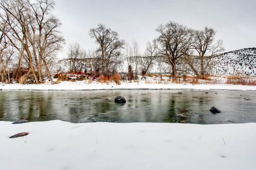 Fisherman's Paradise on Eagle River - Hotel - Eagle