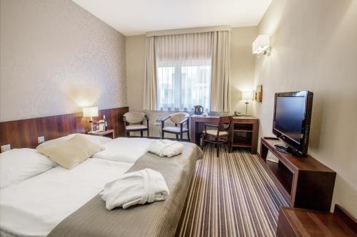 Park Hotel Diament Wroclaw In Poland Room Deals Photos Reviews