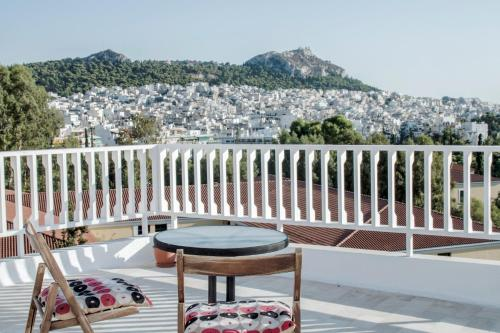 Top floor studio with endless view, Pension in Athen