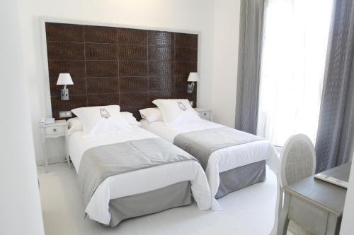 Double or Twin Room - single occupancy La Casa del Médico 14