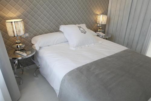 Double or Twin Room - single occupancy La Casa del Médico 11