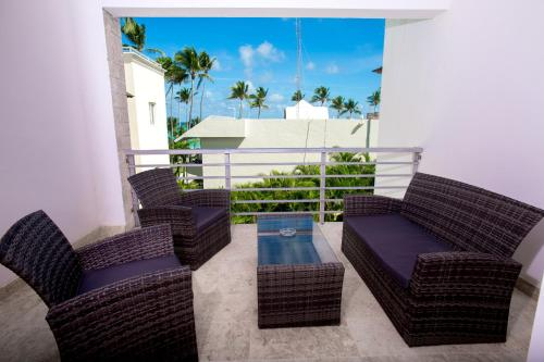 Swim-up Penthouse Ocean View ** New **