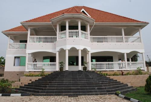 . Victoria Royal Hotel