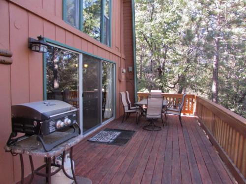 070 Tree Top Cabin - Big Bear City, CA 92314
