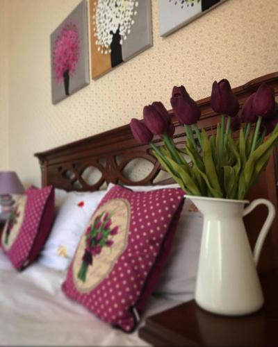 . Rose Apartment