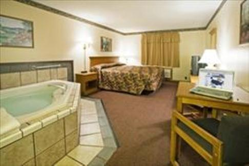 Americas Best Value Inn & Suites Thief River Falls