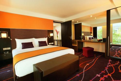 Radisson Suites Bangkok Sukhumvit photo 47