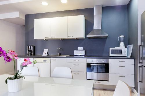 LetsGo Diagonal Avenue Apartment photo 10