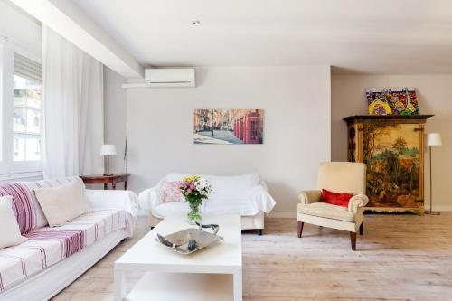 LetsGo Diagonal Avenue Apartment photo 12