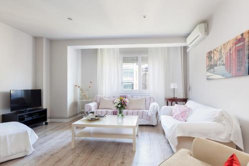 LetsGo Diagonal Avenue Apartment photo 15