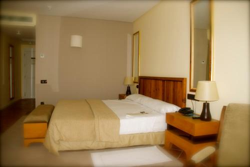 Double or Twin Room with City View - single occupancy Hotel Cigarral el Bosque 16
