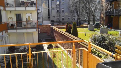 Absolute Belváros Pécs, Pension in Pécs