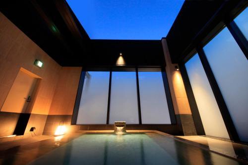 Candeo Hotels Tokyo Shimbashi photo 10