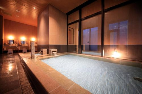 Candeo Hotels Tokyo Shimbashi photo 11