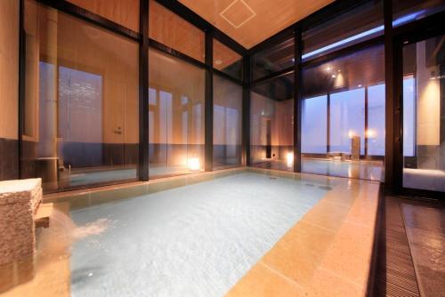 Candeo Hotels Tokyo Shimbashi photo 13