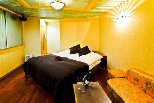 Hotel Joy (Love Hotel), Okagaki