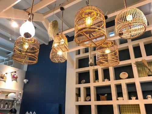 Kinnon Deluxe Hostel Coworking Cafe photo 2