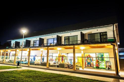 A Hotel Com Holiday Park Resort Rowy Ferienpark Rowy Polen