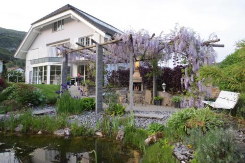 BnB Villa Levanta - Accommodation - Péry