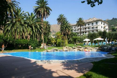 . Savoia Apartments