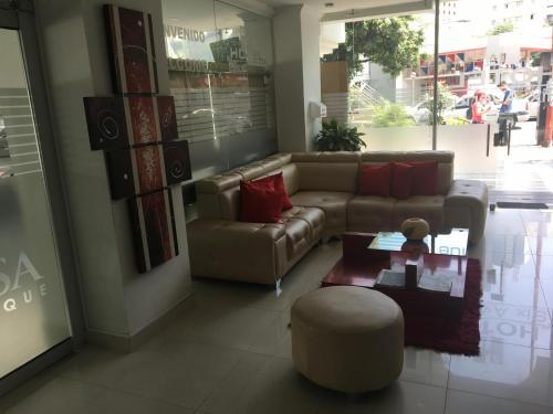 Hotel Six Avenue