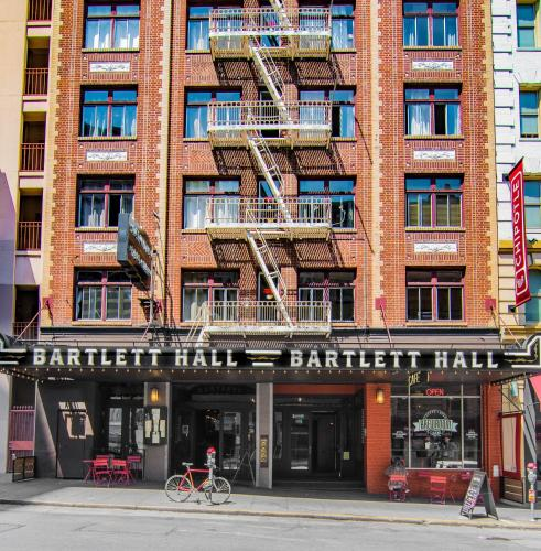 . The Bartlett Hotel and Guesthouse