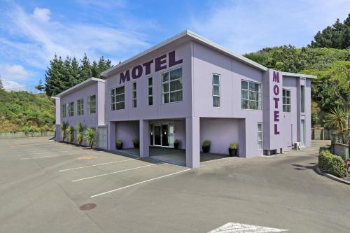 . Amethyst Court Motor Lodge