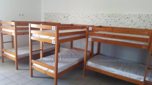 Bed in 10-Bed Mixed Dormitory Room with Sea Views