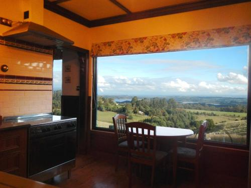 A Cottage with a View at Tudor Ridge - Accommodation - Kallista