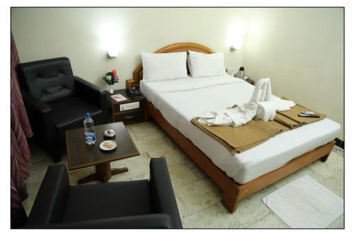 . Senthil Residency