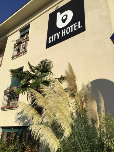 B City Hotel Bardolino In Italy
