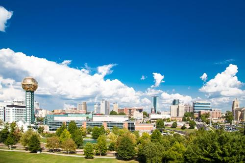 Hampton Inn & Suites Knoxville-Downtown in Knoxville