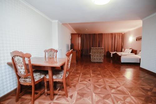 תמונות לחדר Sunkar